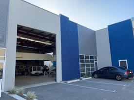 280sqm Office | Warehouse | With 96sqm Approved Mezzanine