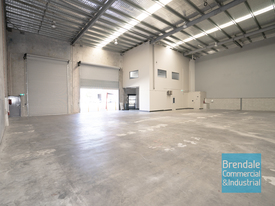 1,143m2 Industrial Warehouse With Office