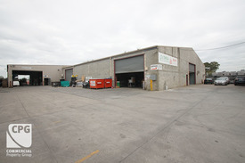 972m² High Bay Building With Yard Area