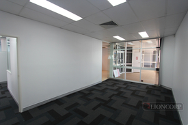 189m2 Office Suite In Busy Springwood