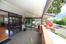 Quality Office Close To Noosa River
