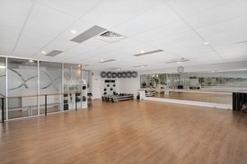 Suit Yoga / Pilates / Personal Training /creative Offices