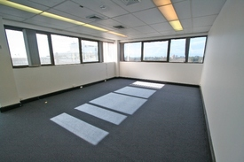 Light Drenched Commercial Space Approx 100m2  Corner Position Crows Nest!
