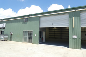 218m2* Warehouse / Workshop Unit