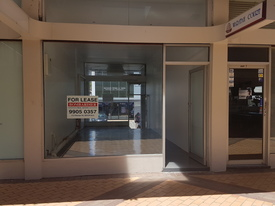 Shop in Waratah Court with Bungan Lane access.