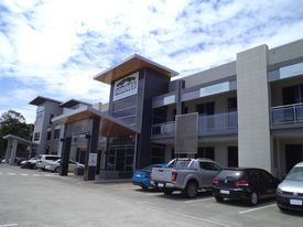 139 SQM* OFFICE WITH EXCELLENT FITOUT IN PRESTIGE HIGHWAY COMPLEX