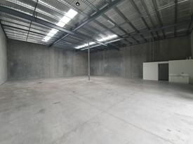 EXTENSIVE WAREHOUSE & OFFICE