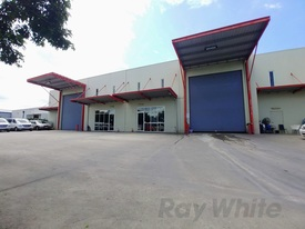 800sqm* FREESTANDING OFFICEWAREHOUSE ON KINGSFORD SMITH DRIVE