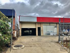 212 Sqm* Warehouse With Office