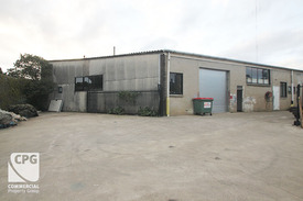 AFFORDABLE WAREHOUSE WITH CONTAINER ACCESS