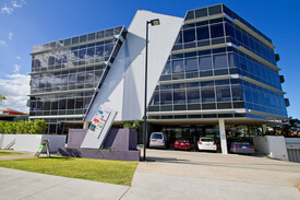 FITTED OUT MODERN OFFICE IN ROBINA